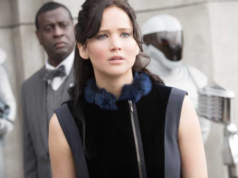 hunger-games-catching-fire-reviews-jennifer-lawrence-is-phenomenal