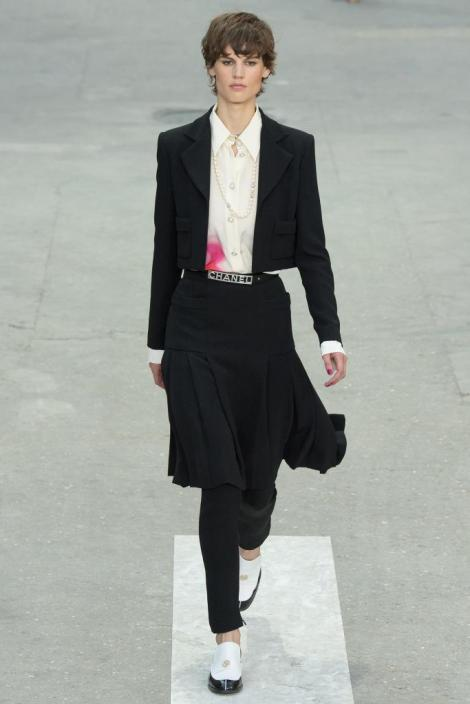chanel-spring-2015-paris-fashion-week-Saskia-de-Brauw