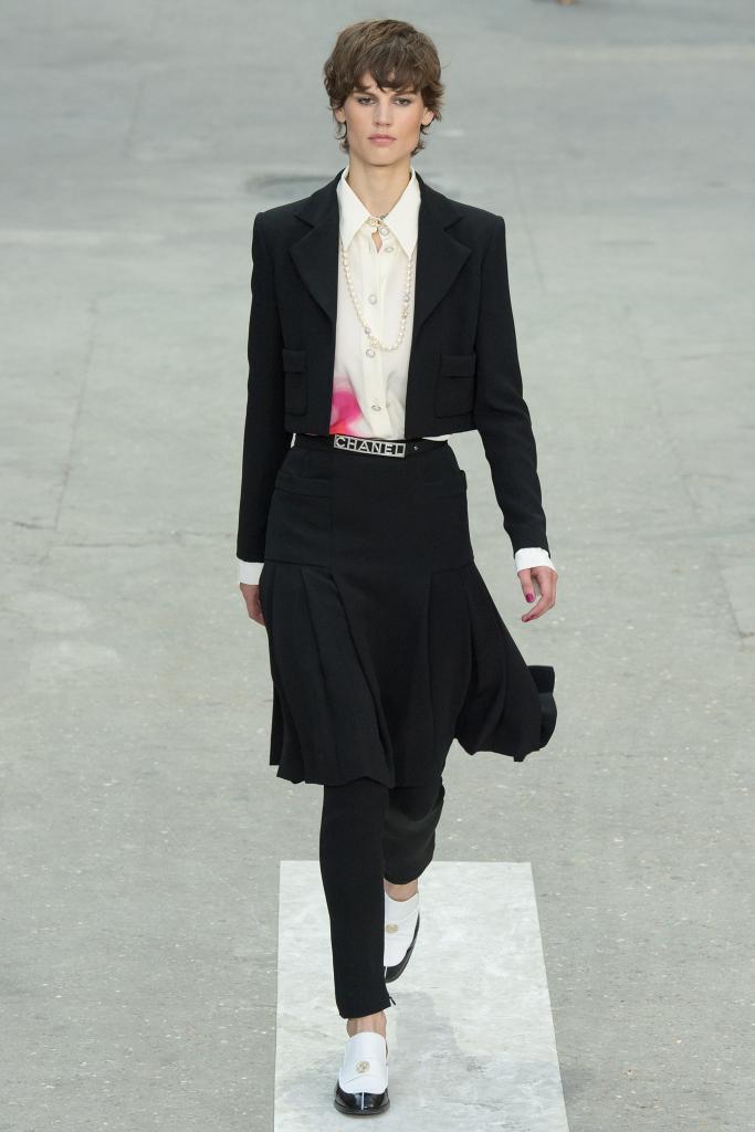 chanel-spring-2015-paris-fashion-week-Saskia-de-Brauw