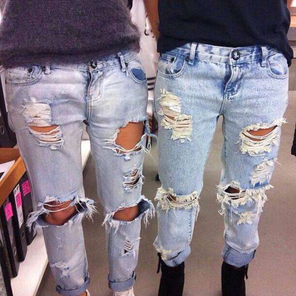 92irb5-l-610x610-jeans-ripped-white-light-nice-cute-ebonylace+storenvy-ebony+lace-ebonylace+streetfashion-denim-boyfriend+jeans-ripped+jeans-distressed+jeans-ripped+light+jeans-light+blue-denim+vin